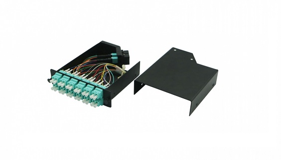 24 LC to 2 MTP/MPO 10G/40G Multimode MTP/MPO Cassette